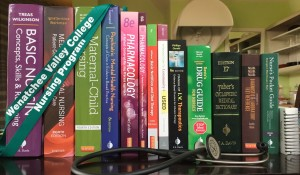 $800+ worth of nursing books
